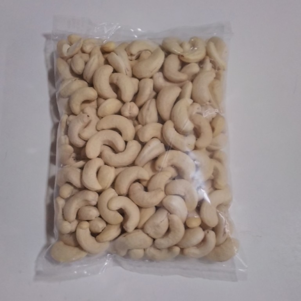 Whole Cashew Nuts   100g